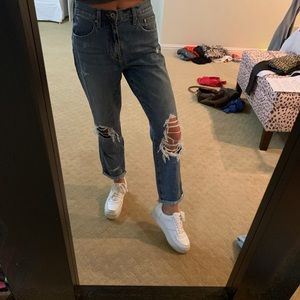 Pistols ripped jeans